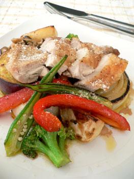 グリルチキンと温野菜のサラダ