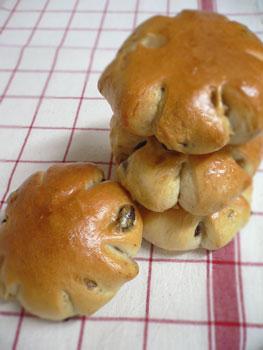 くるみ&レーズンのパン