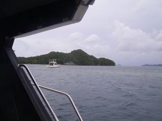 ボートから見たイノキアイランド