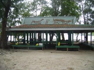 ガルメアウス島の小屋