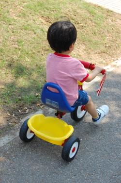 三輪車でGO-GO-