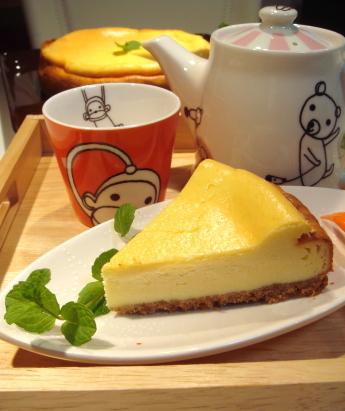 シンプルなチーズケーキです
