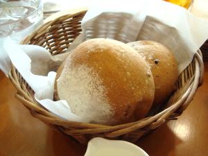 パスタに付いていたパン☆