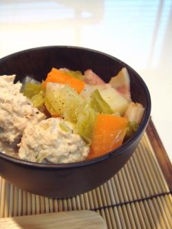 野菜たっぷりのコンソメスープ