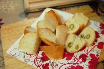えんどう豆ベーグルとフランスパン