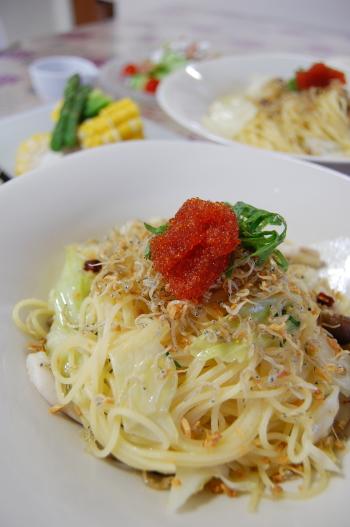 カリカリじゃことキャベツのパスタna夕食