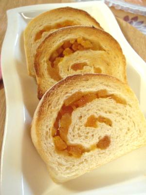 アプリコット白パンと一緒に。。。♪