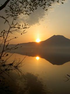 阿寒湖の夜明け