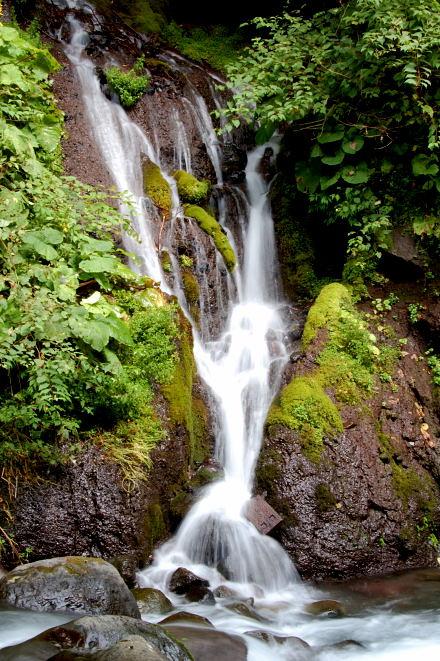 #004 吐竜の滝