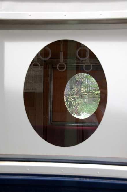 #005 丸窓