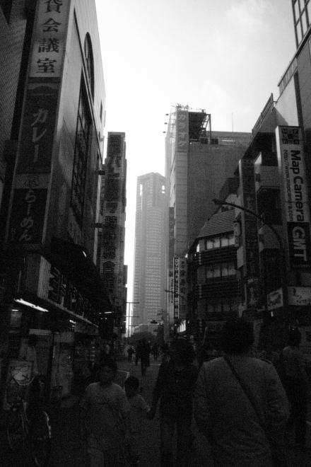 #006 新宿の高いモノ