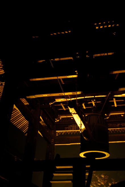 #005 金色に輝く鐘付き堂
