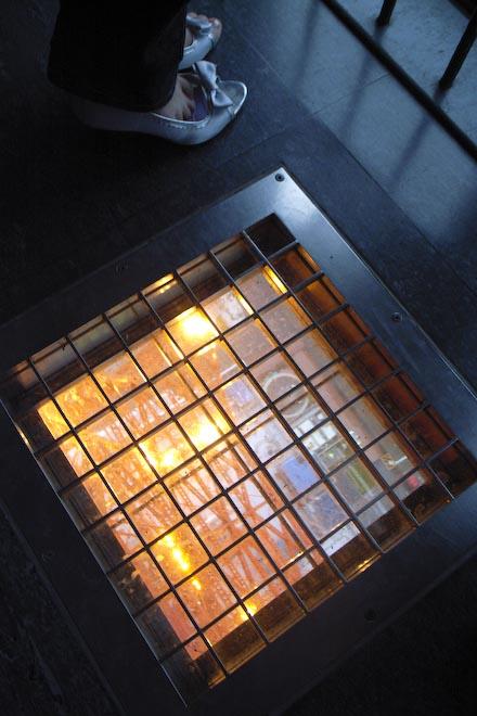 #001 東京タワーの窓