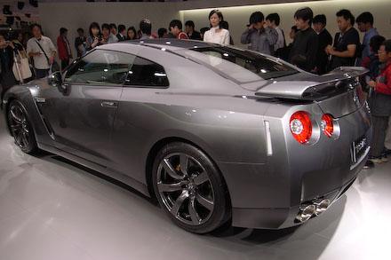 #003 NISSAN GT-R