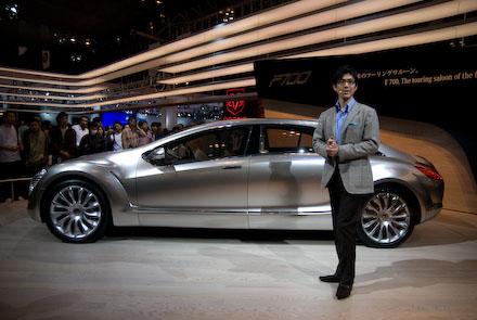 #004 Mercedes-Benz