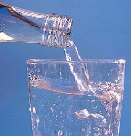 200px-Stilles_Mineralwasser[1]