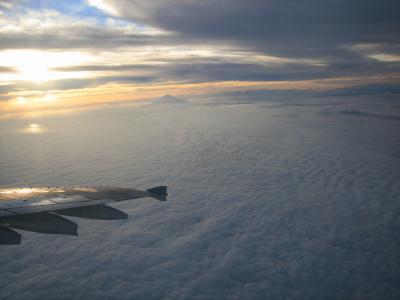 雲海と富士山と夕日