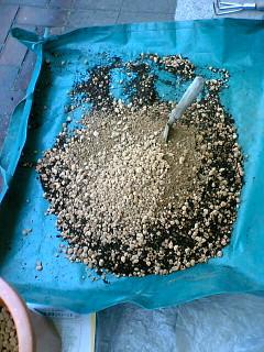 小粒中粒バーク堆肥