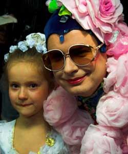 いたいけな少女とヴェルカ・セルデュシュカの2ショット
