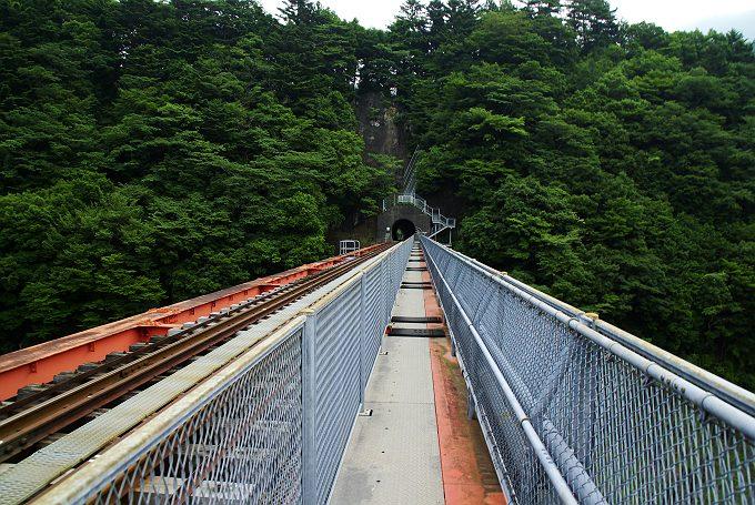夏の井川線奥大井湖上駅 3