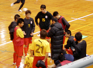 全日本17日-3 稲葉選手を中心に話し合い