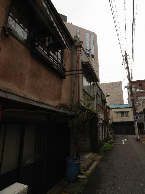 nishitoiya1911.jpg