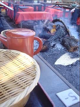 焚き火でお蕎麦。