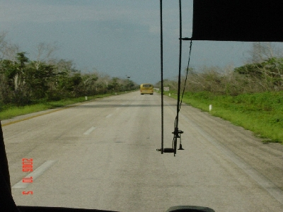 cancun_chichen_road_s