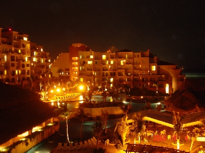 cancun_hotel_nightview_s