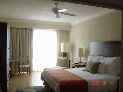 cancun_hotel_room