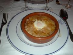 botin オニオン・卵のはいったスープ