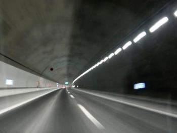 新名神トンネル