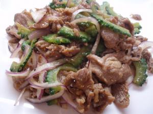 ラム肉とゴーヤー炒め
