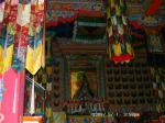 50 ネパールの寺院の中