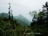 武尊山出発直後、家の串と剣ヶ峰