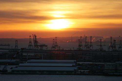 本牧埠頭と対岸木更津