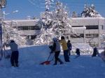 今日も雪掘り