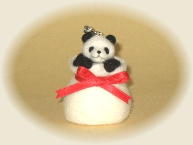 プレゼントパンダのストラップ