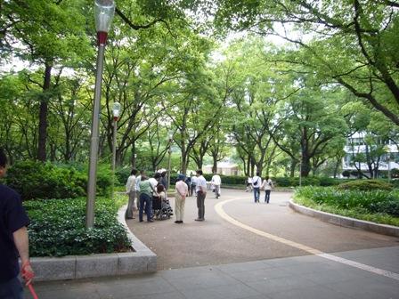 靭公園入り口
