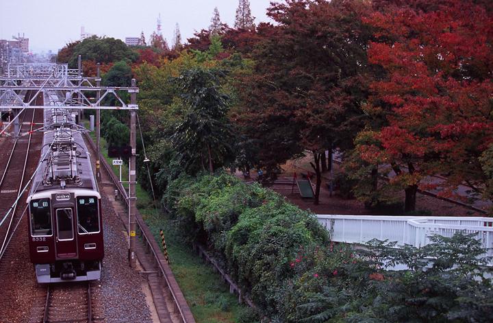 hankyu8000-1.jpg