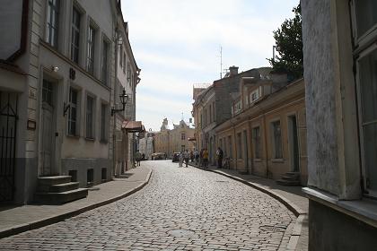 旧市街への道