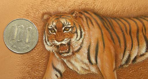 虎とコイン比較
