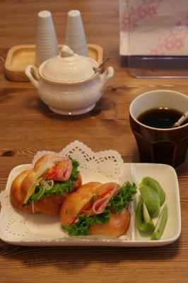 テーブルパン1