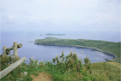 ゴロタ山からスコトン岬、トド島方面を望む