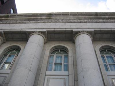 旧富士銀行横浜支店見上げ