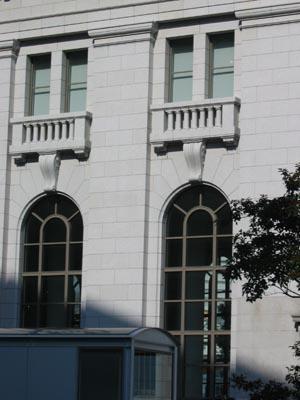 旧第一銀行横浜支店窓