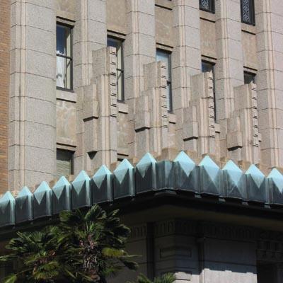 神奈川県庁舎玄関上詳細