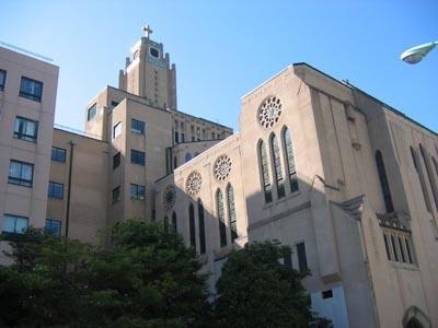 聖路加国際病院 聖堂側全景