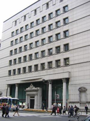 日本信託銀行本店斜め