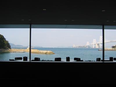 瀬戸内美術館 喫茶室から見る